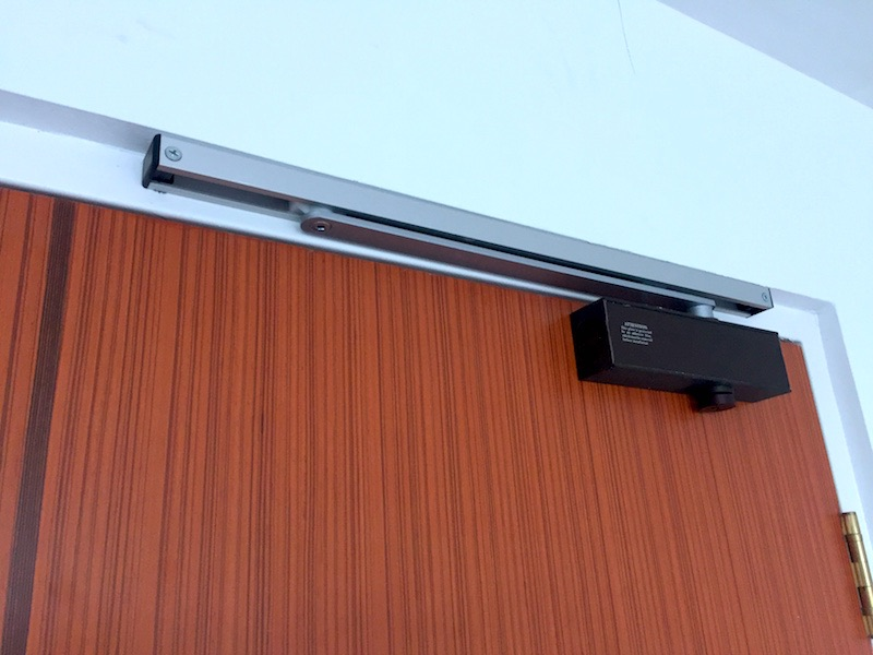 Uni-Arm is a sliding door arm that acts like a u201cstopperu201d for your door. Once installed it will prevent your door from closing once the door is pushed to a ... & Uni-Arm Singapore Review - Great door Closing Mechanism ...