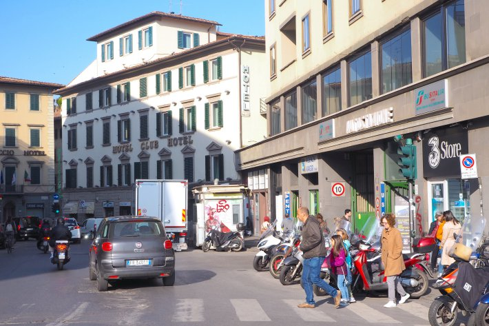 Italian Florence: How To Go To The Mall Florence (Italy)